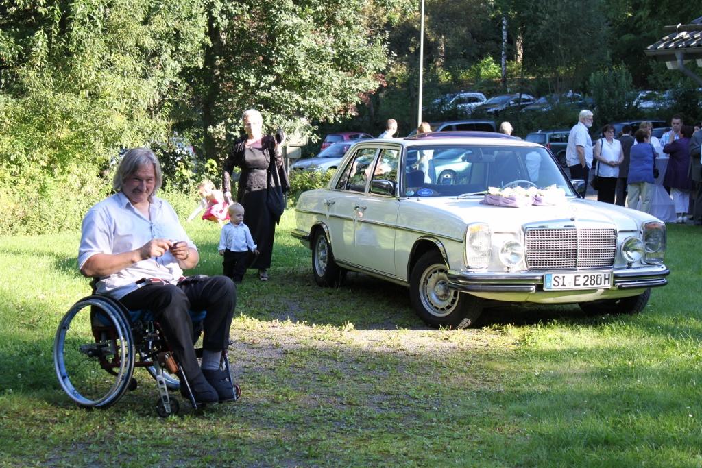 http://www.wolfgang-buchen.de/Benz%20und%20ich.jpg